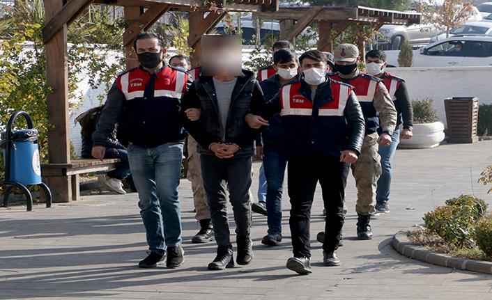 Teröristlere finans sağlayan 3 kişi yakalandı