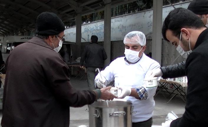 Onikişubat Belediyesi'nden çorba ikramı