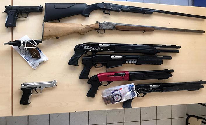 54 kişiden 62 silah ele geçirildi