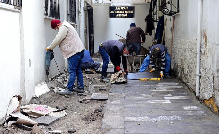 Dulkadiroğlu Belediyesi bazalt ve parke çalışmaları sürüyor