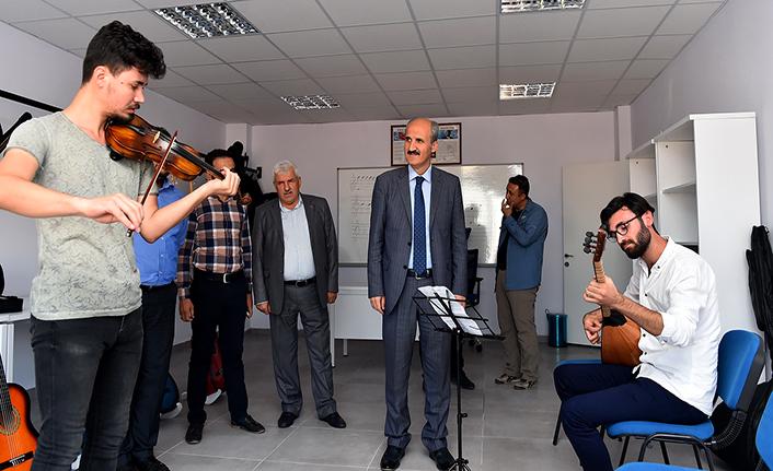Dulkadiroğlu Gençlik merkezinde kurs kayıtları başladı