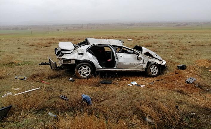 Kontrolden çıkan otomobil takla atarak devrildi