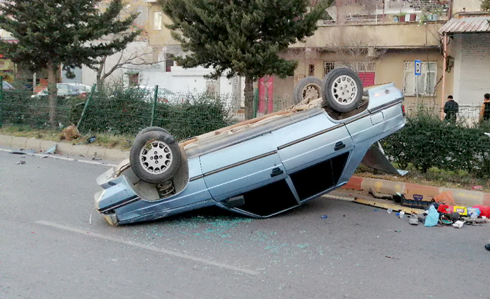 Otomobil sürücüsü direksiyon hakimiyetini kaybetti