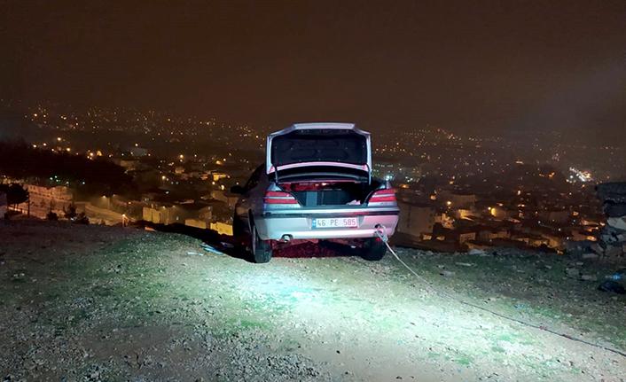 Otomobilin altında çocuk hayatını kaybetti