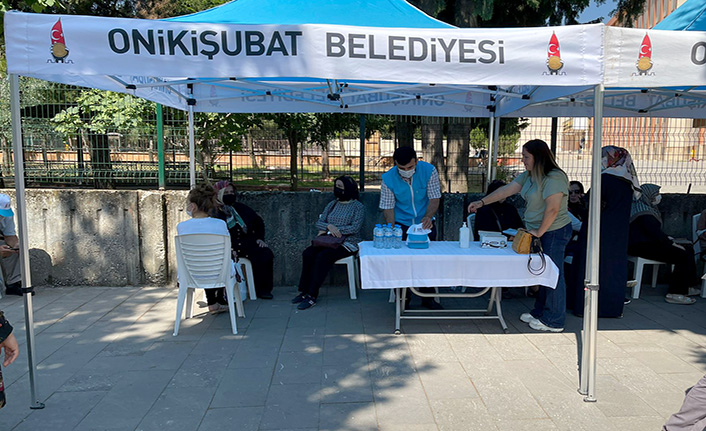 Onikişubat Belediyesi, sınavı sırasında ailelere jest yaptı