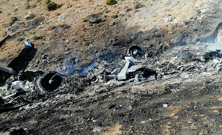 Yangın söndürme uçağı düştü: 8 kişi hayatını kaybetti