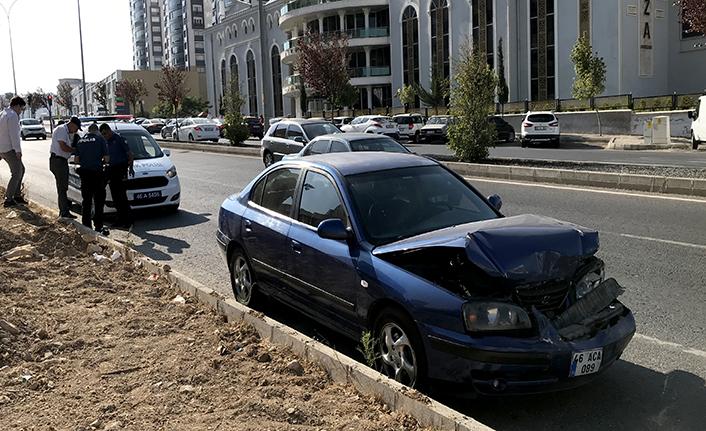 4 araçlı zincirleme kaza: 4 yaralı