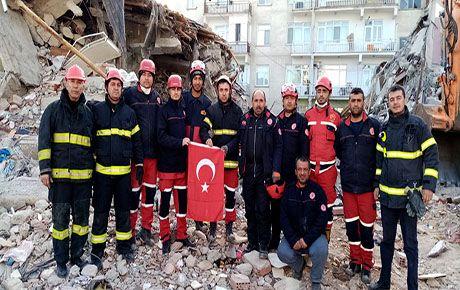 Arama kurtarma ekibi kentte döndü