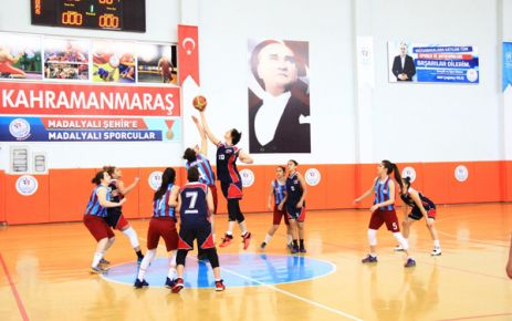 BASKETBOL YARI FİNAL MÜSABAKALARI BAŞLADI