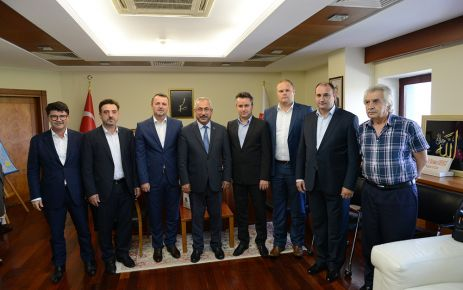 BOSNA-HERSEK'Lİ YETKİLİLERDEN KSÜ REKTÖRÜ DEVECİ'YE ZİYARET
