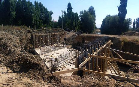 Bozlar'daki köprü çalışmaları