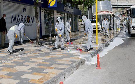 Büyükşehir'den sokak ve cadde temizliği