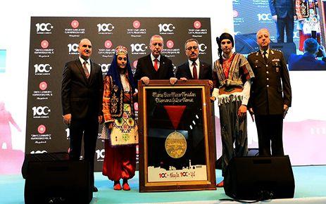 Cumhurbaşkanı Erdoğan, Kurtuluşun 100. yıl dönümüne katıldı
