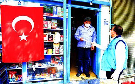 Dulkadiroğlu'ndan esnafa maske