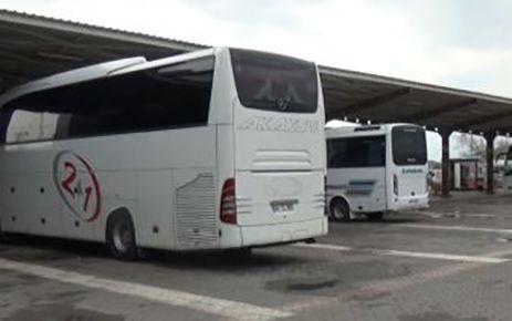 İzinsiz seyahat eden 3 kişi yakalandı
