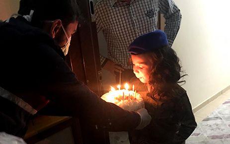Jandarma 8 yaşındaki çocuğun doğum gününe katıldı