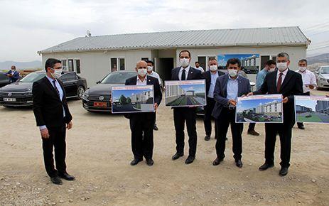Kahramanmaraş milletvekilleri yurt inşaatını inceledi