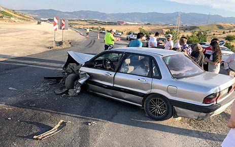 Kahramanmaraş'ta tır ile otomobil çarpıştı: 4 yaralı