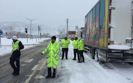 Kayseri yolu ağır vasıta araçlara kapatıldı