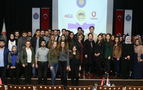 """KSÜ'DE """"GELECEĞİN KADINLARI"""" PANELİ DÜZENLENDİ"""