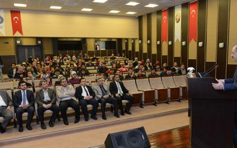 KSÜ'DE 'HZ. PEYGAMBER VE ŞİİR' KONULU KONFERANS DÜZENLENDİ