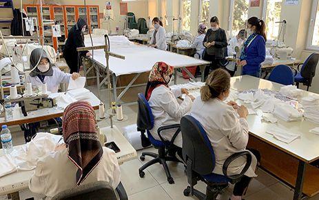 Lisede cerrahi maske üretimi