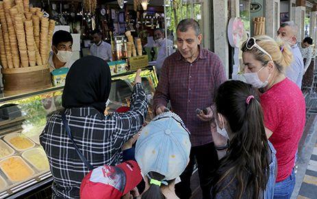 MADO'dan çocuklara dondurma ikramı