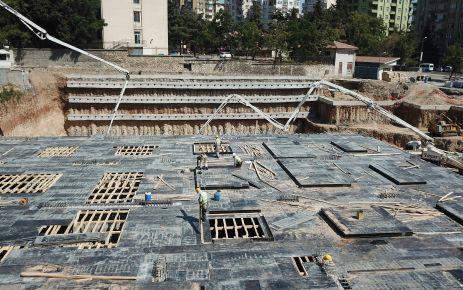 MİLLİ İRADE MEYDANI'NDA OTOPARK KATLARI YÜKSELİYOR
