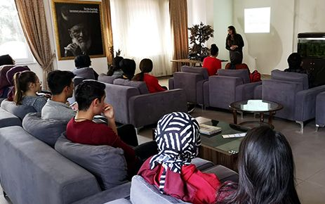 Öğrencilere sınav öncesi motivasyon semineri