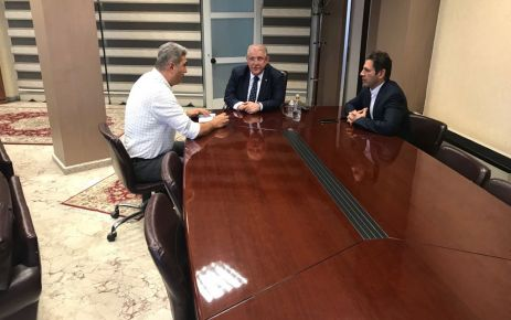 """""""ONİKİŞUBAT BELEDİYESİ KIZILAY'A KURBAN BAĞIŞI YAPTI"""""""
