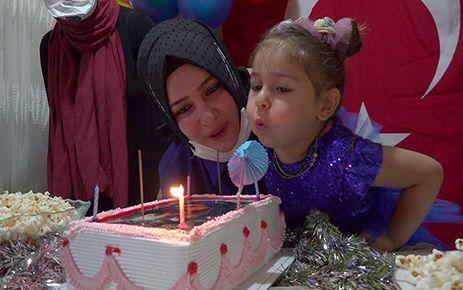 Şehit kızına sürpriz doğum günü