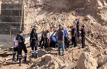 Göçük altında kalan 2 işçi öldü
