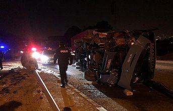 Minibüs çalan çocuklar kaza yaptı