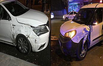 Polis aracına çarpıp kaçan sürücü yakalandı