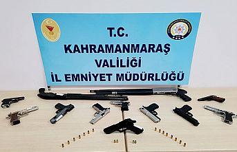 17 kişiden 19 silah ele geçirildi