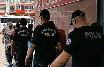 Aranması olan 83 kişi yakalandı