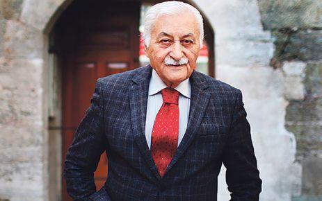 """YAVUZ BÜLENT BAKİLER'E 'FAHRİ HEMŞEHRİLİK BERATI"""""""