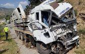 Freni boşalan kamyon 3 aracı biçti