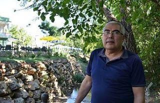 Cevizli bahçe yazar ve şair Avgın'a ilham oldu