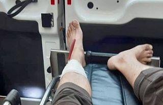 Bacağına bıçak böyle saplandı