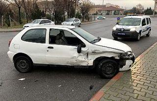 Kaza yapan sürücü kaçtı