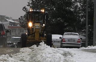 Onikişubat'ta karla mücadele