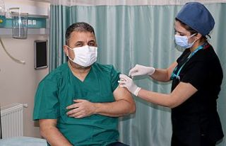 """Yüzbaşıoğlu, """"Herkesi CovidVac aşısı olmaya..."""