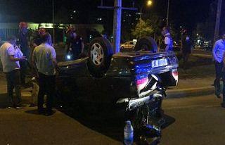 Otomobile arkadan çarptıktan sonra kaçtı