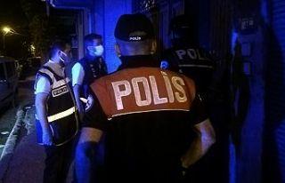 Aranması olan 61 kişi yakalandı
