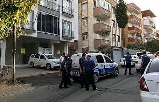 Kötü koku polisi alarma geçirdi