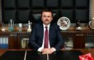 """BAŞKAN ERKOÇ: """"TÜRK EDEBİYATININ BAŞI SAĞOLSUN""""..."""