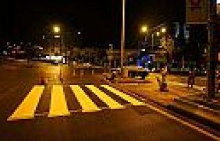 Büyükşehir yol çizgilerini yeniliyor