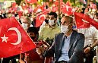Dulkadiroğlu'dan 15 Temmuz'da 15 bin bayrak