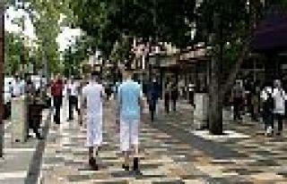 Kahramanmaraş'ta gençler cadde ve sokaklara akın...